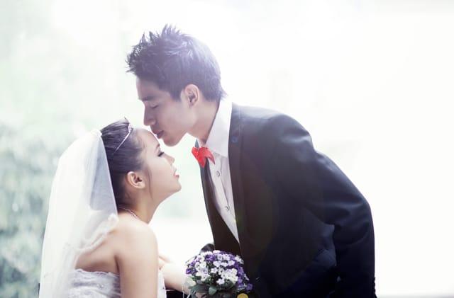 Trang điểm cho cô dâu đẹp lung linh tại Lavender